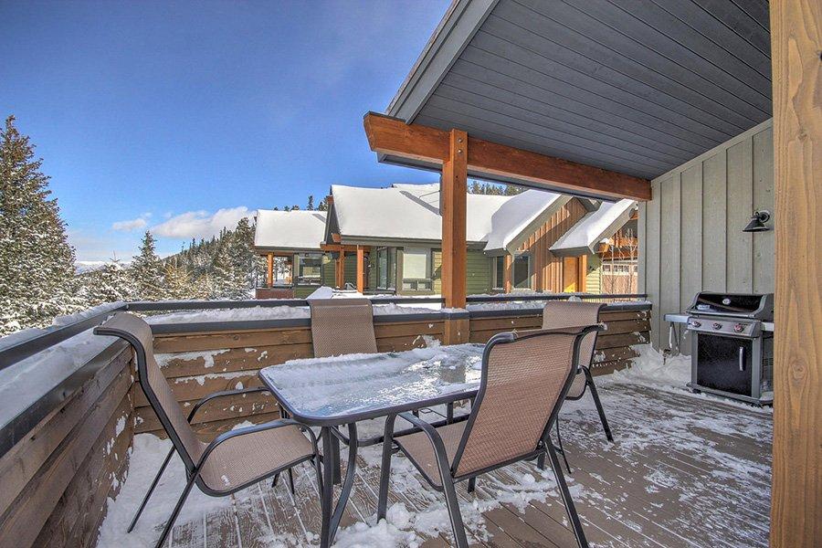 Luxury On Main: Deck/Balcony