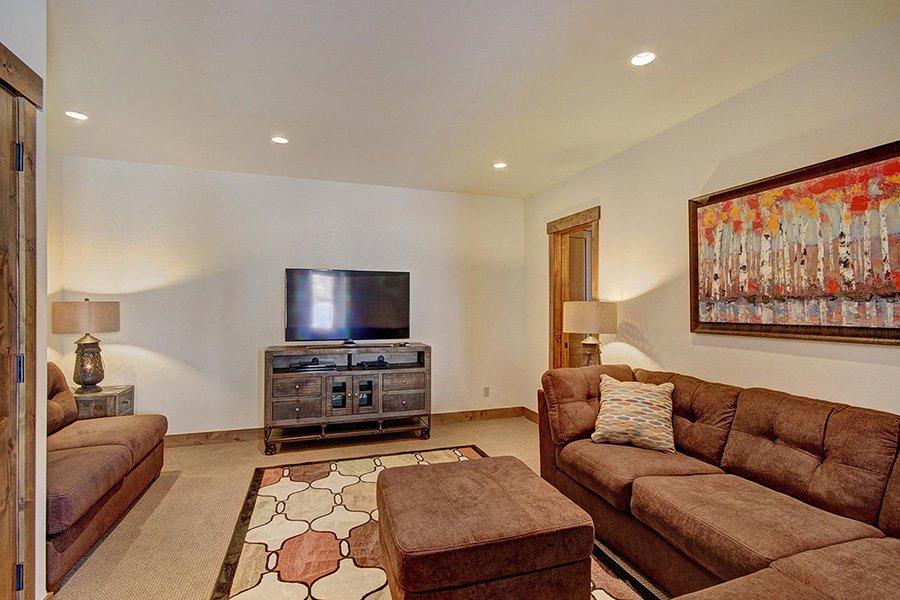 Luxury On Main: Lower Level Rec. Room