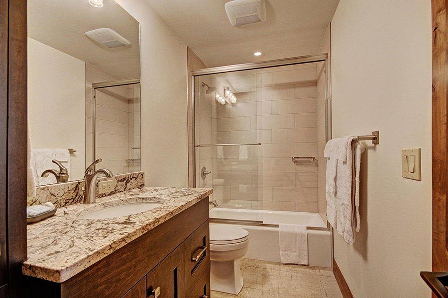 Luxury On Main: Guest Bathroom